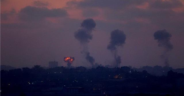 Israele, raid su Gaza: 51 morti. Abu Mazen: 'Genocidio'. Peres: 'Stop razzi o invadiamo'