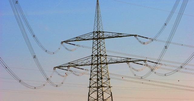 Cdp Reti, il 35% della rete elettrica e del gas italiana va ai cinesi per 2 miliardi