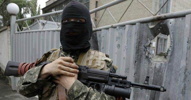 """Ucraina, si torna a sparare a Est: 9 morti Putin attacca: """"E' colpa di Poroshenko"""""""