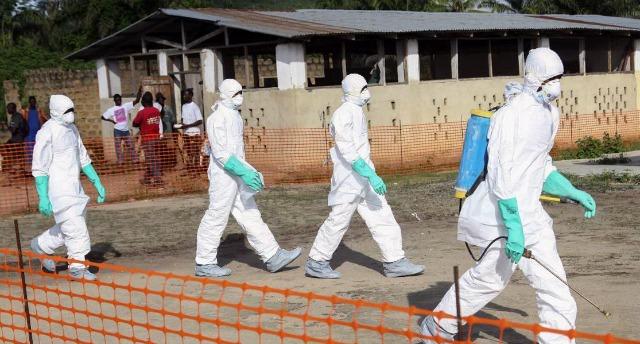 Ebola, esercito casa per casa in Sierra Leone a caccia di persone infette