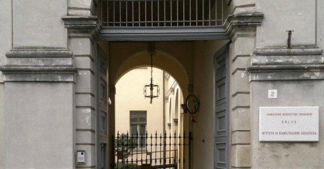 Cremona, 'in permesso per una gara di ballo'. I colleghi chiedono il licenziamento