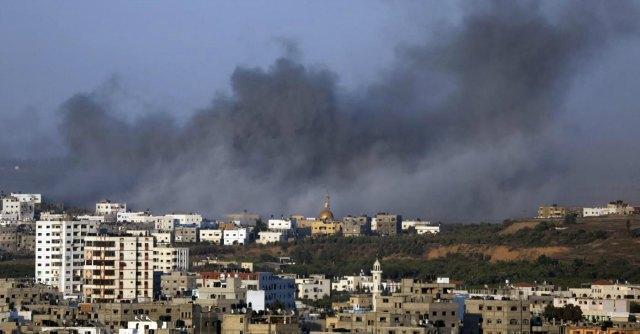 """Gaza, nuovo raid. Israele ritira truppe e annuncia: """"Morto il soldato disperso"""""""