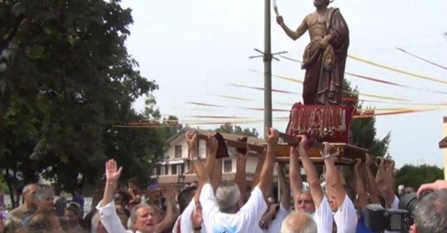 Bloccata in Calabria per 'ndrangheta, la processione si trasferisce vicino a Como