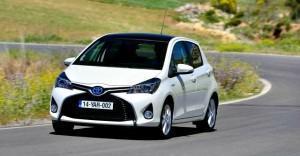 Toyota Yaris Hybrid 2014 01