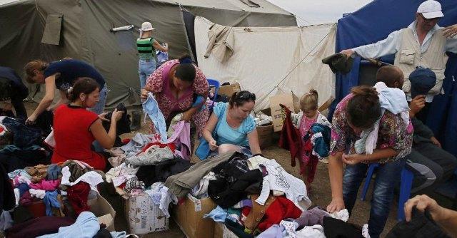 Ucraina, Kiev: 'Spari dei ribelli su convoglio di profughi, uccisi donne e bambini'