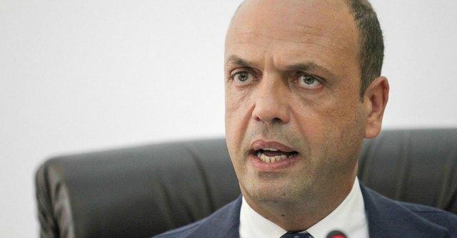 """Isis, Alfano: """"Per Italia rischio rimane elevato, pronte misure severe"""""""
