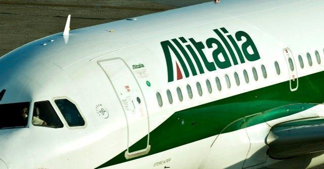 Alitalia, dopo la pax sindacale, via libera degli azionisti all'intesa con Etihad