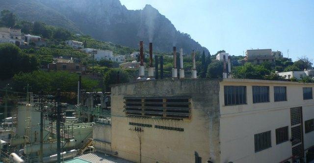 """""""Anche Capri ha la sua Ilva. Inquinamento e tumori all'ombra della centrale elettrica"""""""