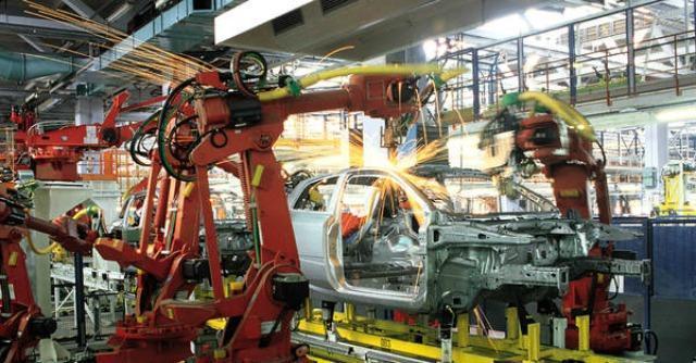 """Livorno, la """"scomparsa"""" degli operai. La crisi dell'auto colpisce al cuore la città"""