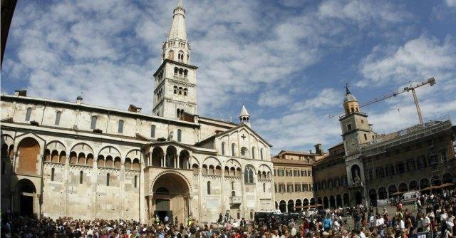 """Duomo di Modena, direttrice beni culturali ammette """"violazione"""" regole su appalti"""