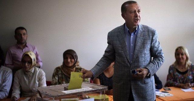 Elezioni presidenziali in Turchia, chiusi i seggi. Erdogan punta a vincere al 1° turno