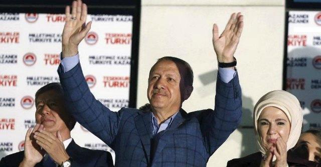 """Turchia, i mille volti del """"sultano"""" Erdogan: a parole riformatore, nei fatti despota"""