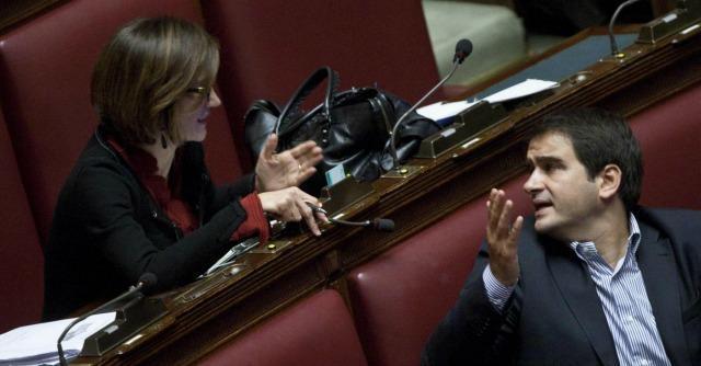 """Forza Italia, ingresso nella maggioranza di Renzi? """"In 50 pronti ad andarsene"""""""