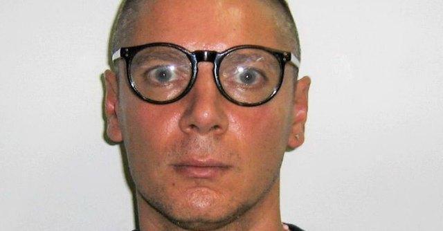 """Camorra: arrestato Aldo Gionta. Il """"boss poeta"""" si travestiva da donna"""
