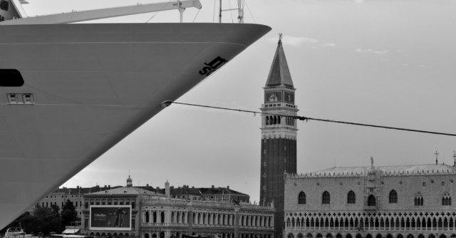 Venezia, le grandi navi e la non soluzione