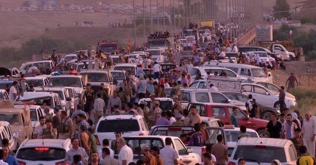 Iraq, patriarca caldeo: '100mila cristiani in fuga. Rischio genocidio'. Appello del Papa