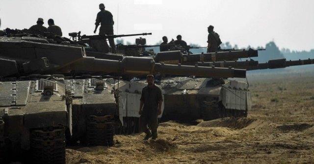 """Gaza, Israele avvia ritiro dell'esercito. Hamas: """"Scelte che non ci impegnano"""""""