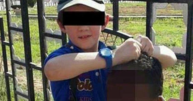 """Siria, jihadista australiano twitta foto del figlio con testa di soldato. Abbott: """"Orrore"""""""
