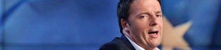 """#Passodopopasso e altri: 6 mesi di slogan Ma Renzi: 'Non sono malato di annuncite' Grillo: """"Tassa dopo tassa affonda l'Italia"""""""