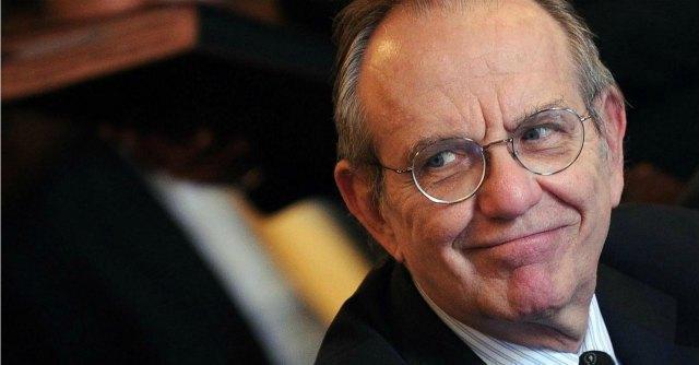 """Padoan: """"Nessuna manovra aggiuntiva. La troika? Il Paese si riformerà da solo"""""""
