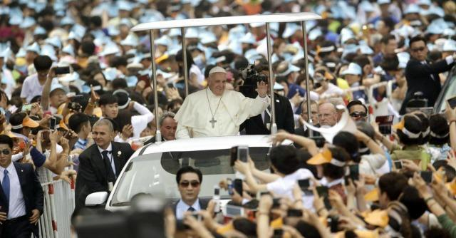 """Corea, Papa Francesco ai Paesi comunisti: """"I cristiani non vengono per conquistare"""""""