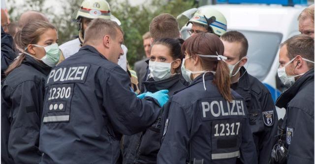 """Ebola, Oms: """"113 nuovi casi in 3 giorni, i morti sono 1.229"""". Berlino, rientra allerta"""