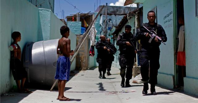 Rio de Janeiro: stupri ed esecuzioni grazie all'impunità. Così agisce la polizia
