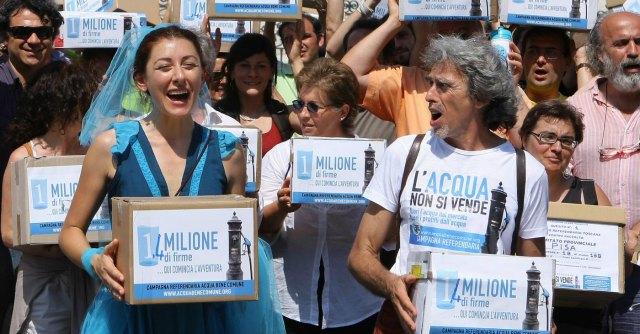 Acqua: a Latina torna pubblica, ma il prezzo lo fissa il privato. E decide la banca
