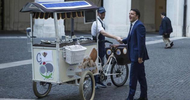 """Renzi, gelato Grom dopo l'Economist. """"Chiamati dal cerimoniale di Palazzo Chigi"""""""