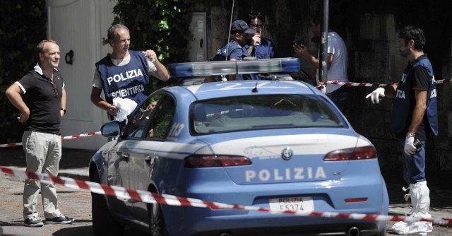 Roma, decapita donna con mannaia: assassino ucciso dagli agenti