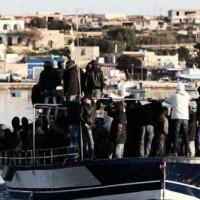 sbarco migranti 640