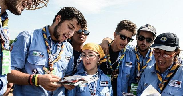 Gay: il Coraggio dei giovani scout e gli insopportabili niet cattolici