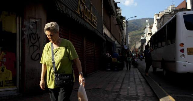 Venezuela, controlli biometrici nei supermercati per razionare gli alimentari