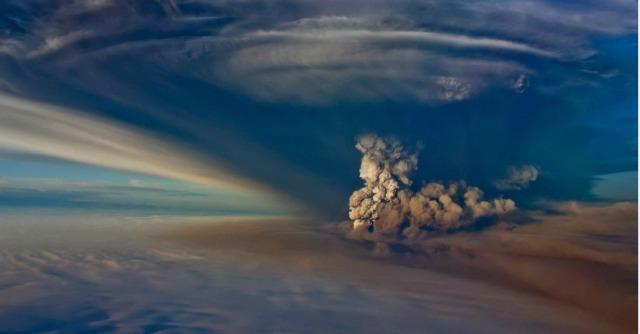 """Islanda, eruzione vulcano Bardarbunga. Autorità: """"Allerta rossa e divieto di sorvolo"""""""