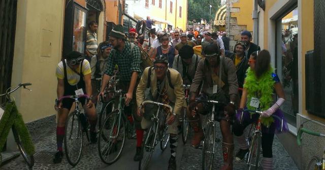 """Coppa Cobram, a Desenzano rievocata la """"tragica"""" gara ciclistica di Fantozzi"""