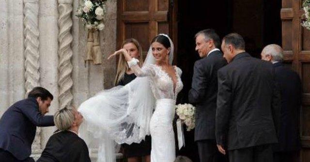Mattia Destro, nozze con la Caramis: il Comune concede la piazza per 35 euro