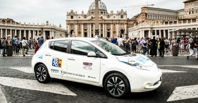 Nissan, a Roma i primi taxi elettrici. E un furgone per la ricarica rapida 'a domicilio'