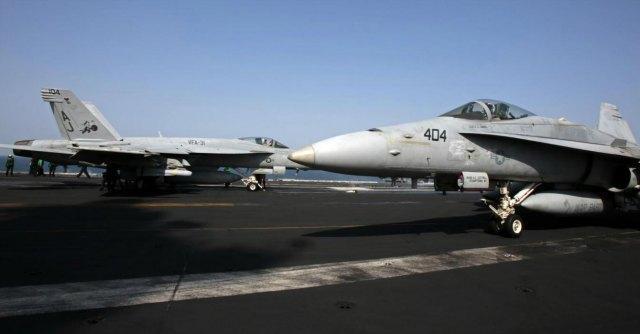 """Isis, primo attacco Usa vicino a Baghdad Al Qaeda: """"Uniamoci contro l'Occidente"""""""
