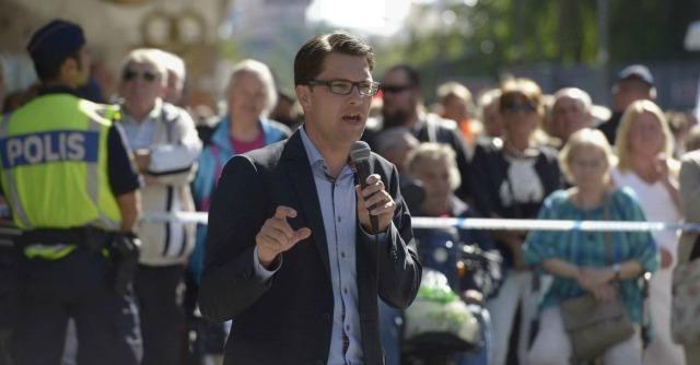 Svezia, ecco il giovane Jimmie Akesson: il leader che ha ripulito l'estrema destra