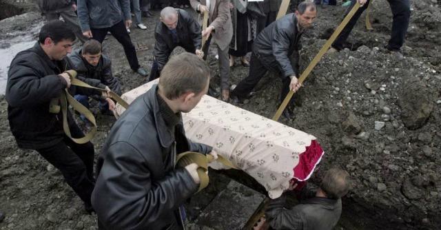 """Beslan, 10 anni fa la strage. Le famiglie delle 334 vittime: """"Vogliamo chiarezza"""""""