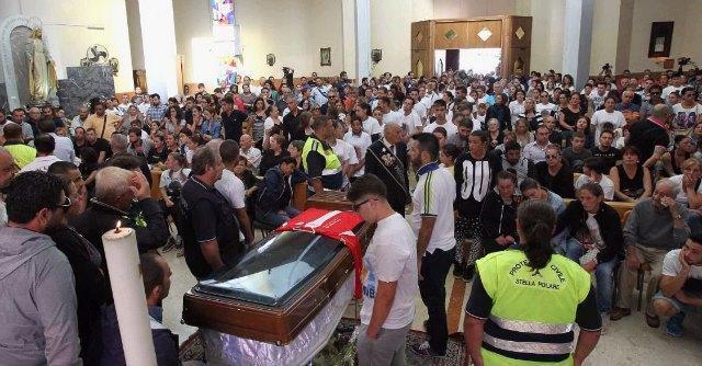 Funerali Davide Bifolco