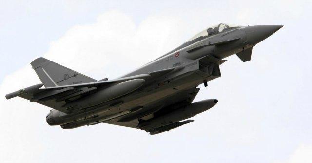 Fiumicino, aereo libanese scortato da due caccia italiani per allarme bomba