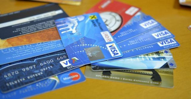 Carte di credito e di debito, Parlamento europeo fissa i tetti delle commissioni