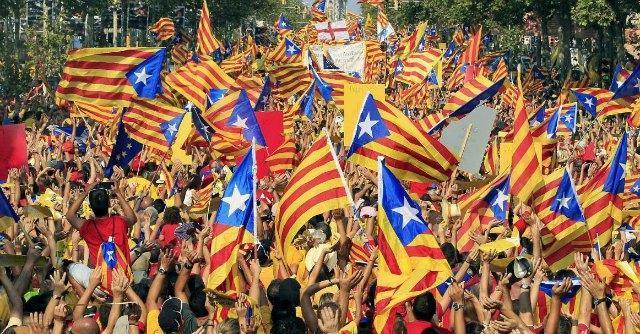 """Referendum Scozia, la Catalogna prepara la sfida a Madrid: """"La strada è segnata"""""""