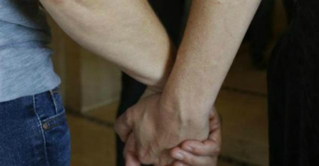 Mantova, il sindaco Sodano esclude dalle unioni civili le coppie gay