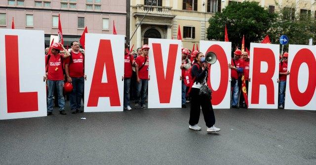 Jobs Act, dall'articolo 18 al salario minimo: ecco la riforma del lavoro di Renzi