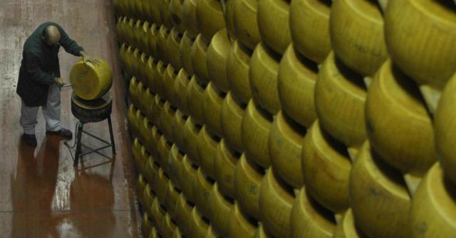 """Ucraina, Ue: """"Martedì ultimo giorno per chiedere aiuti per l'ammasso di formaggi"""""""