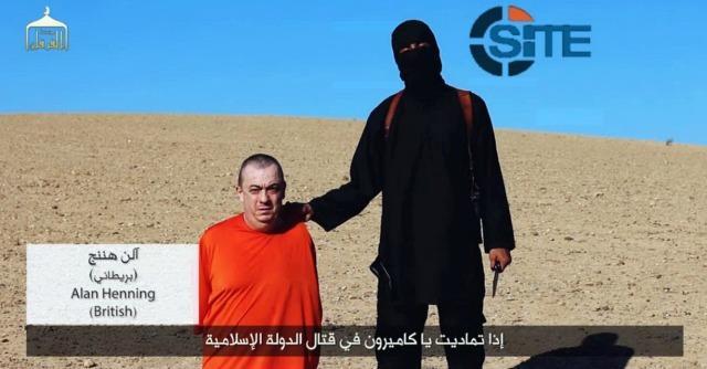 """Isis, l'appello della moglie di Henning: """"Non uccidetelo, Alan è un uomo di pace"""""""