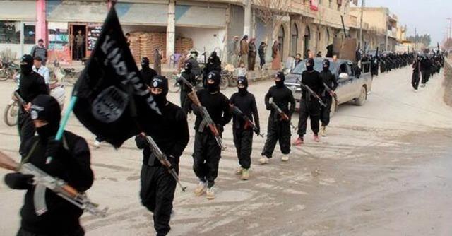 """Isis, uccisi 300 militari iracheni a nord di Falluja: """"Attacco con armi chimiche"""""""