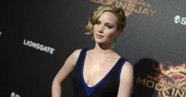 Jennifer Lawrence nuda e le altre foto rubate, Apple e Fbi indagano sugli hacker